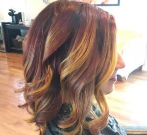 """Les cheveux """"bière au beurre"""" : la coloration pour tous les fans d'Harry Potter"""