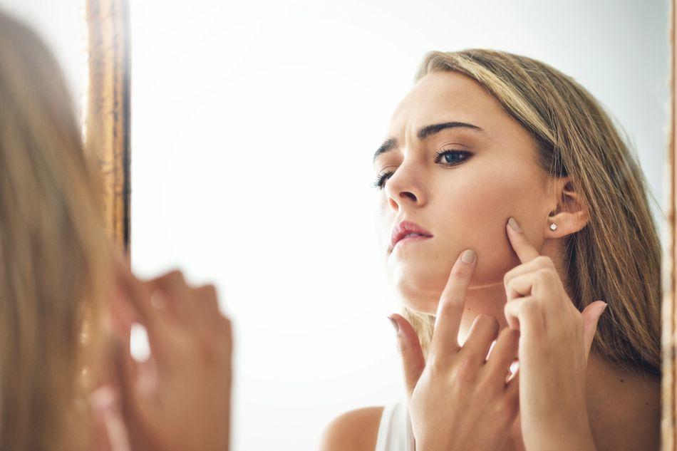Une nutritionniste nous dit quels aliments il vaut mieux éviter pour avoir une jolie peau.