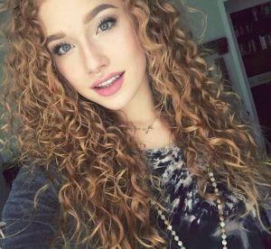 #CurlsLikeUs, le hashtag qui célèbre les cheveux bouclés sur Instagram