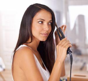 5 astuces pour ne pas s'abîmer les cheveux lorsqu'on les lisse