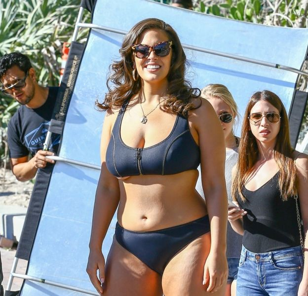 Ashley Graham sans retouche pour Swimsuits for All.