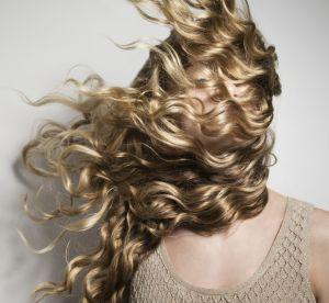 Cheveux bouclés : 5 produits pour les entretenir et les sublimer