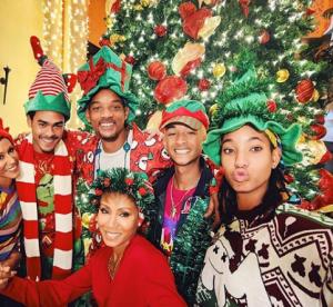 Noël chez les people : quand les célébrités se lâchent, photos fun garanties !