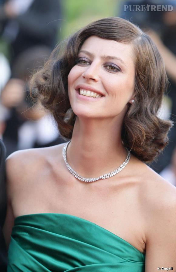 Anna Mouglalis porte un collier [brand=4294719633]Chanel [/brand] Joaillerie