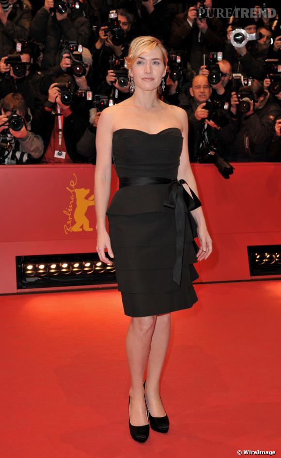 Encore une petite robe noire, mais cette fois bustier et à jupon droit à volants, signée [people=2093]Alber Elbaz[/people] pour [brand=4294924632]Lanvin[/brand].