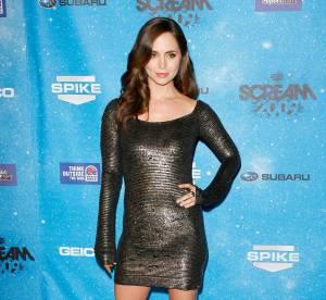 Eliza Dushku, scintillante en mini-robe moulante !