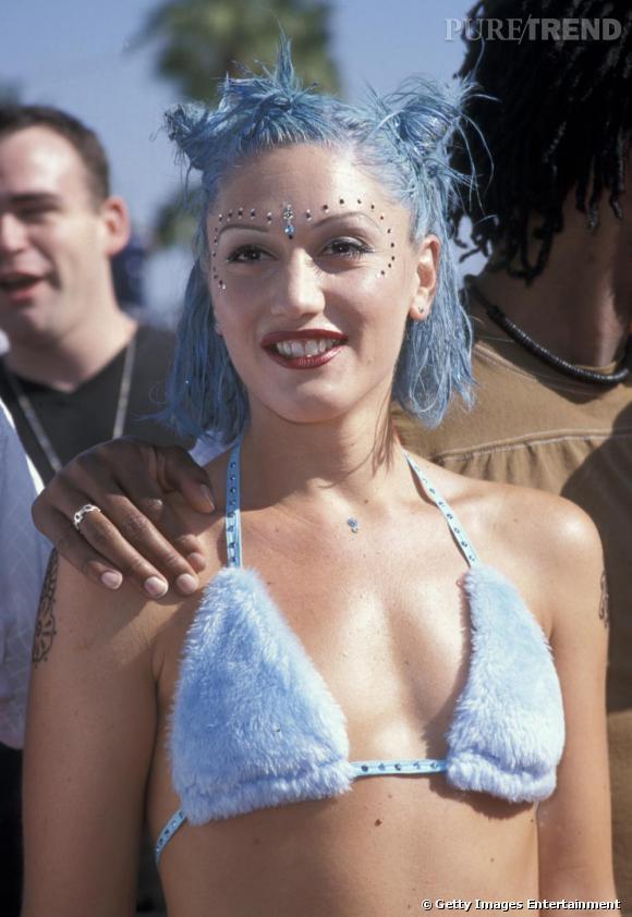 Toujours dans l'expérimentation, Gwen l'originale opte pour le bleu ciel