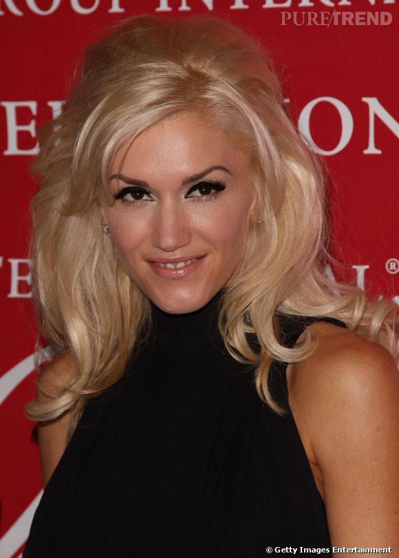 Une choucroute crêpée et un gros trait d'eye liner: Gwen ne serait-elle pas influencée par  Amy Winehouse  ?