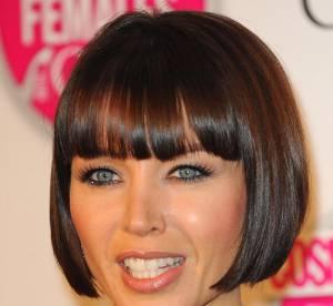 Dannii Minogue rend le noir sexy