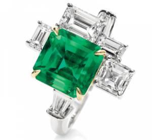 Une couleur, une pierre... Vert, l'émeraude...