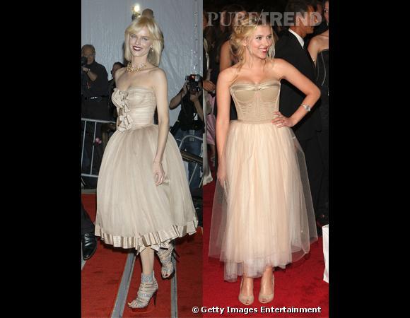 Qui de Scarlett Johansson et Eva Herzigova porte le mieux la robe corset de Dolce et Gabbana ?