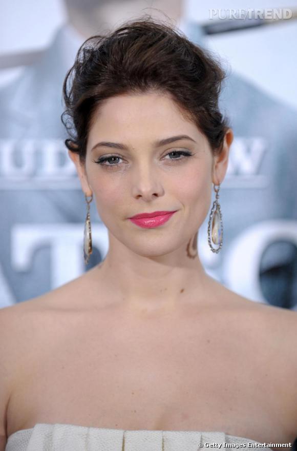 Sublime Ashley Greene, en bustier blanc pour un look tout en douceur.