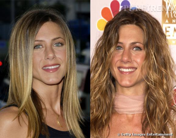 Jennifer Aniston, notre chouchoute de  Friends , porte les cheveux lisses de la même manière que lorsqu'ils sont bouclés : en les laissant retomber sur son visage et ses épaules.