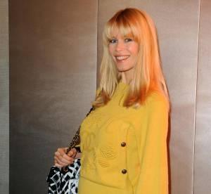Claudia Schiffer rit jaune en Chanel !