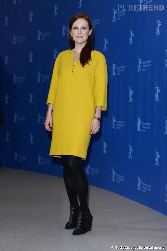 Julianne Moore radieuse en jaune canari!