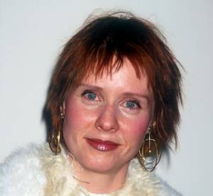 Sex and the City : Cynthia Nixon, l'incroyable évolution coiffure de la rouquine