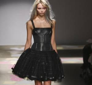Vue sur les podiums : la robe noire