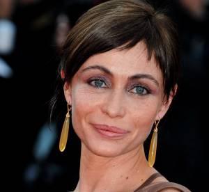 Cannes - Emmanuelle Béart, diablement sexy sur red carpet