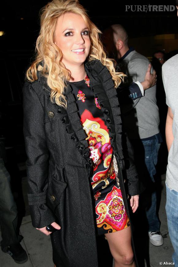 Décembre 2006, Britney renoue avec son emblématique coiffure de barbie qui lui va si bien