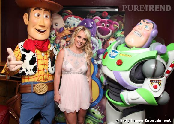 Pour la première de Toy Story 3, c'est à une Britney spears digne de son heure de gloire à laquelle on a le droit, Un ravissement !