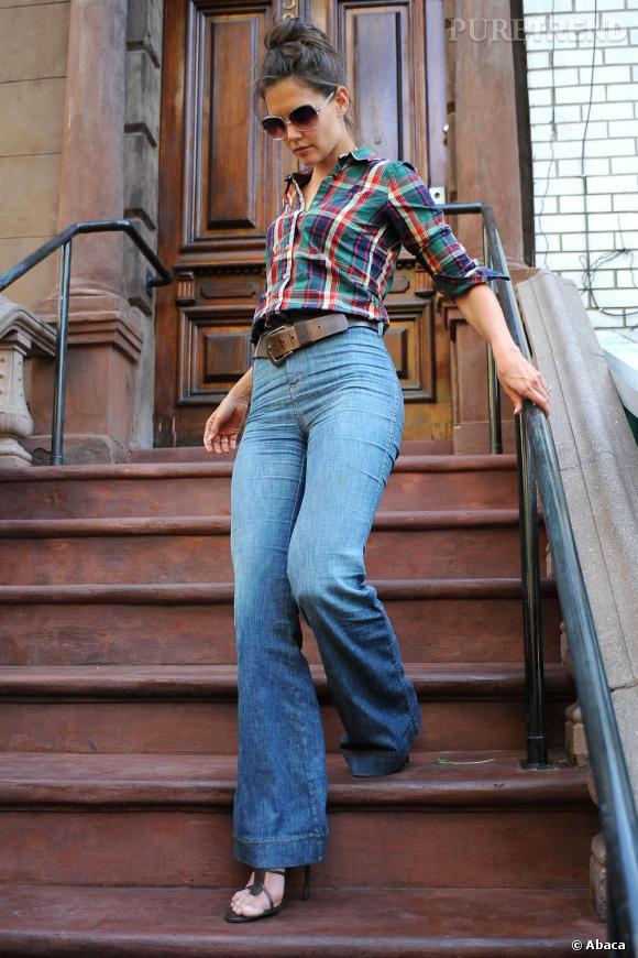 Katie à New-York affiche un look stylé et décontracté.