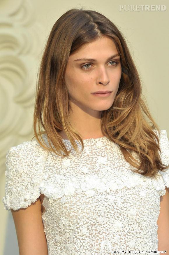 La nouvelle it-girl Elisa Sednaoui au défilé Chanel couture  automne/hiver 2011.