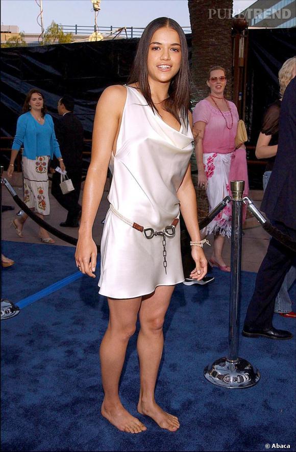 Pour les premières Michelle Rodriguez adopte un peu trop au pied de la lettre le crédo Less is More.