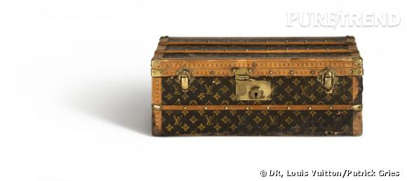 Malle Fleurs en papier Monogram et en zinc,  c. 1910. Collection Louis Vuitton.