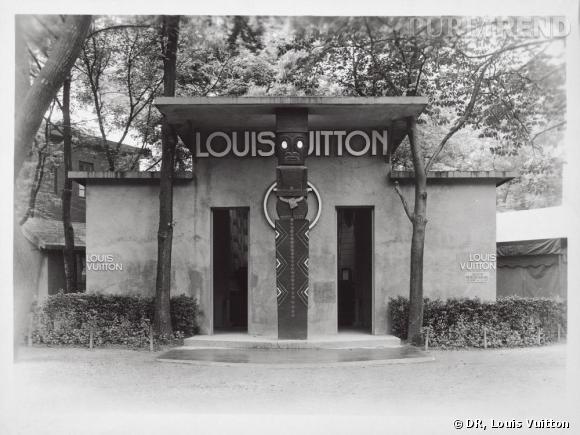 Entrée du stand Louis Vuitton lors de l'Exposition Coloniale Internationale de Paris de 1931.