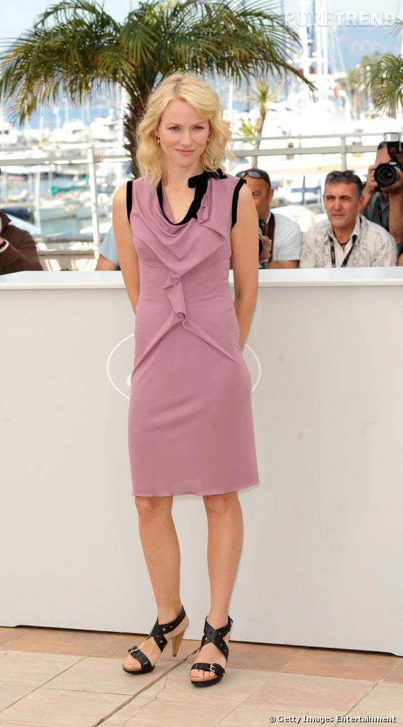 Au Festival de Cannes, l'actrice enchaîne les sans-faute, toujours en robe RM by Roland Mouret.