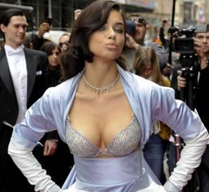Adriana Lima, son soutien-gorge à 2 millions de dollars en vidéo