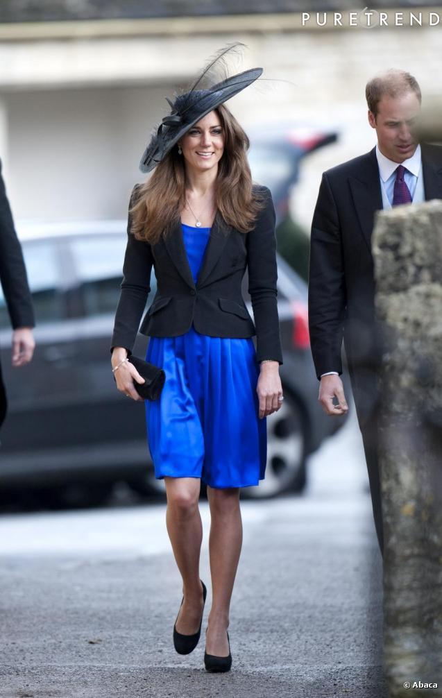 Mariage aristo en hiver help page 2 forum mode - Avec quoi porter une robe bleu marine ...