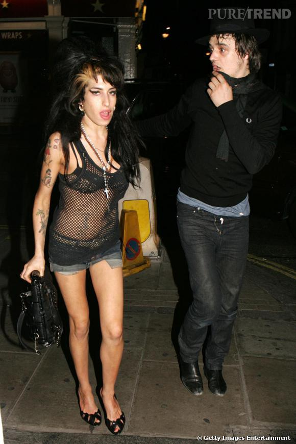 Amy Winehouse et Pete Doherty ne sont pas vraiment des modèles d'élégance... Quelques leçons de maintien ?