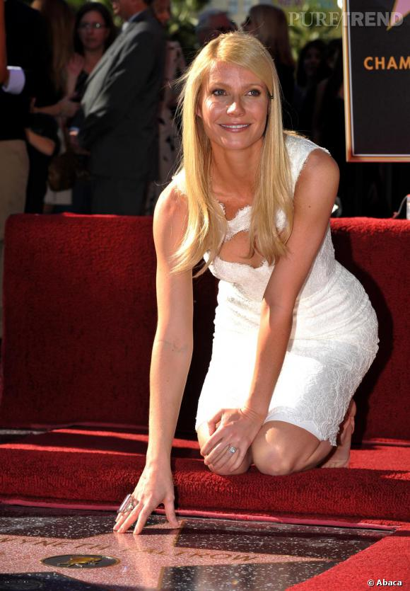 Gwyneth Paltrow inaugure son étoile sur le Walk Of Fame à Hollywood.
