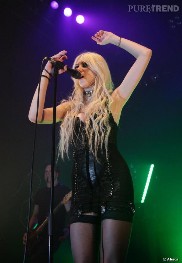 Taylor Momsen et The Prettyreckless en concert à Londres.