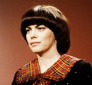 Archives : La coupe de Mireille Mathieu