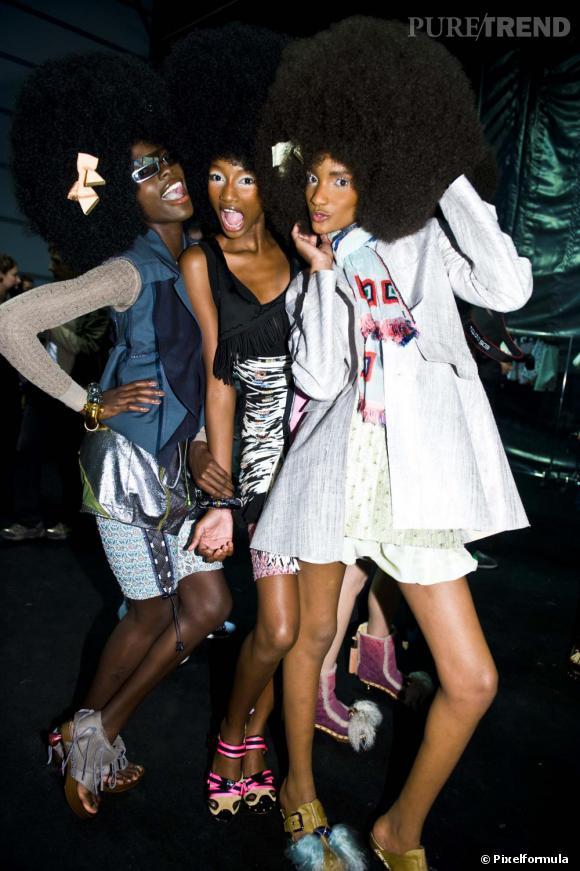 Cheveux afro : le clin d'Oeil.  Le défilé Louis Vuitton printemps-été 2010.