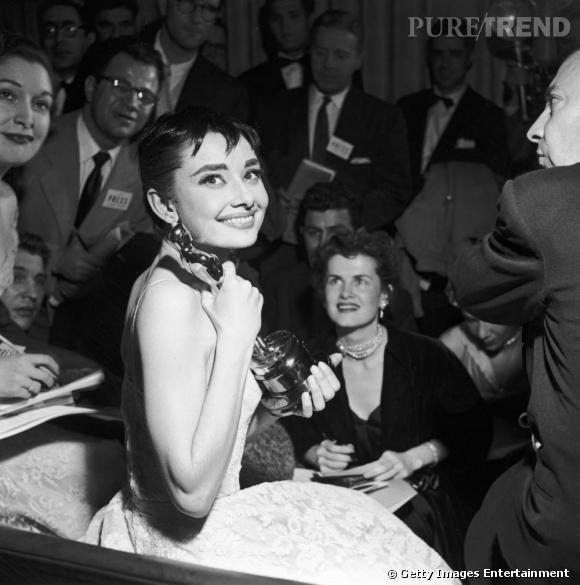 Incarnation d'un certain chic et égérie du couturier Hubert de Givenchy, Audrey Hepburn aura marqué son époque.