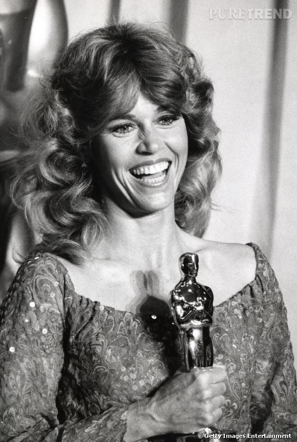 Sex symbole des années 60, Jane Fonda incarne la sensualité et le glamour.