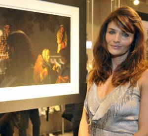 Le look du jour : Helena Christensen, pop folk
