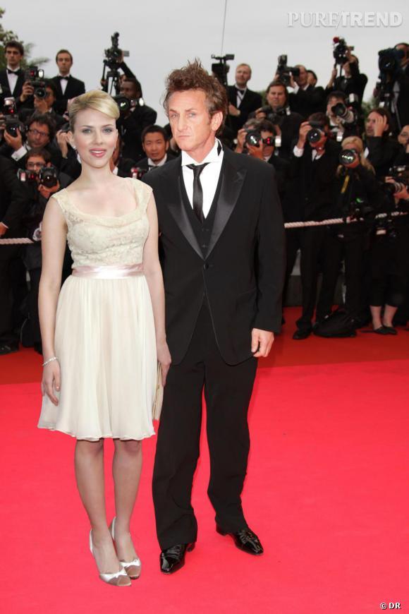 Sean Penn et Scarlett Johansson, c'est le nouveau couple transgénérationnel (50 et 26 ans)  mais eux, ils sont plutôt glamour.