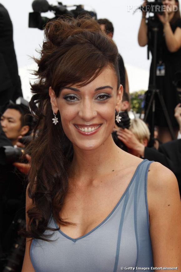 Cannes : les plus belles coiffures du samedi 14 mai          La demi queue se fait chignon, les longueurs s'ondulent pour Martina Gusman