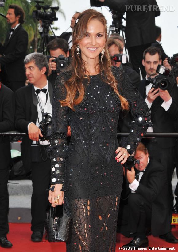 Cannes : les plus belles coiffures du samedi 14 mai          Svetlana Metkina mise sur une chevelure sauvage entre tresses et ondulations. Une originalité qui lui réussit.