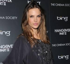 Alessandra Ambrosio, toujours plus court
