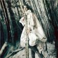 Natalia Vodianova en Alexander McQueen par Paolo Roversi pour the Naked Heart Foundation.