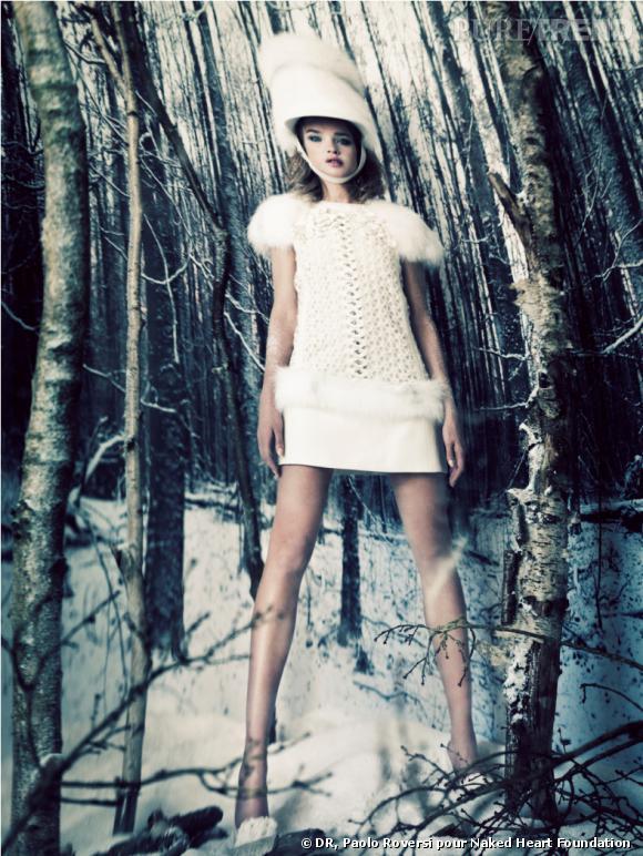 Natalia Vodianova en Louis Vuitton par Paolo Roversi pour the Naked Heart Foundation.