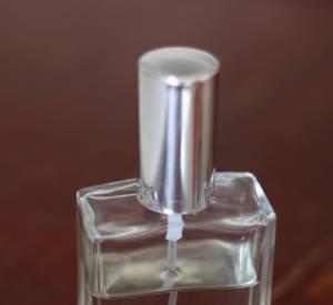 BLK DNM, la nouvelle marque de Johan Lindebergh Un parfum s'annonce, mais le nom et le flacon sont à trouver. Et le jeu est à retrouver sur le site de BLK DNM.