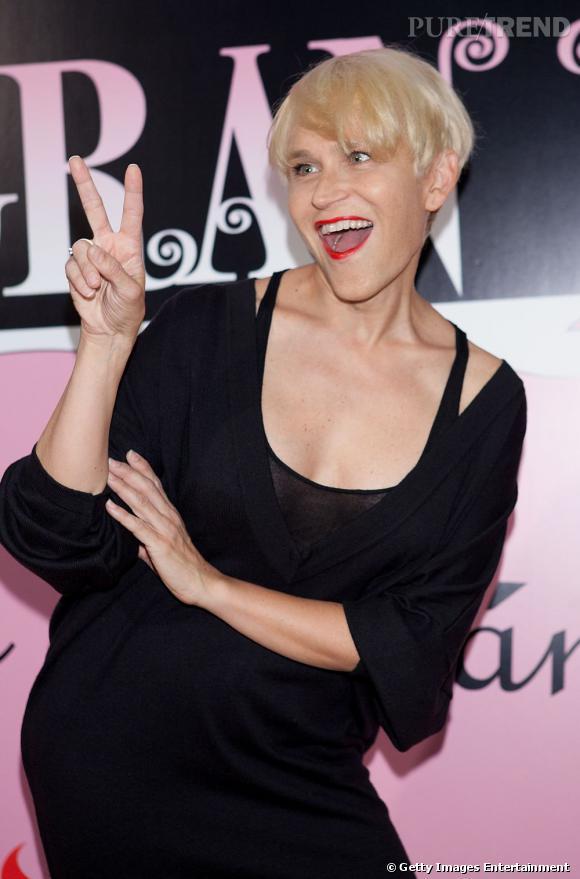 """Antonia San Juan a joué l'un des rôles les plus marquants du cinéma d'Almodovar. En interprétant un transsexuel dans """"Tout sur ma mère"""", l'actrice s'attire les honneurs de la presse et du réalisateur."""