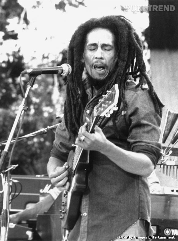 Bob est le maître du reggae, et celui qui a vendu le plus de disques pour ce style de musique (200 millions d'albums).