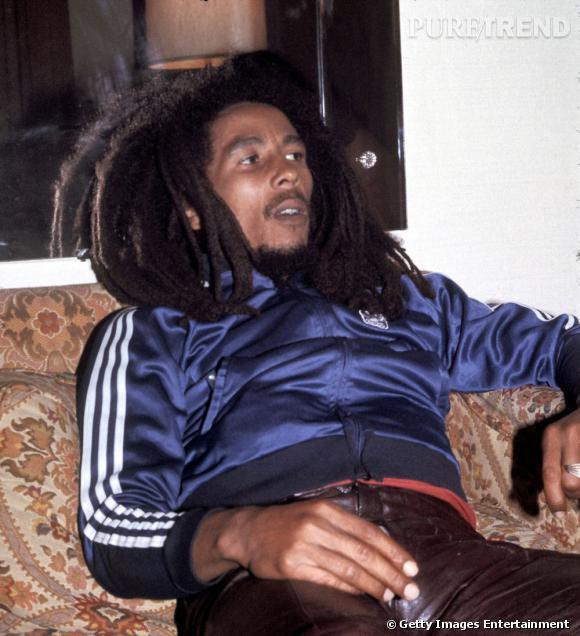Bob et son blouson aux trois rayures signé Adidas. À rappeler qu'il était également un grand fan de football.